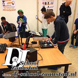 Les met School bij de DJ School Zaanstad