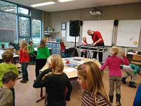 Les op jou School door DJ School Zaanstad